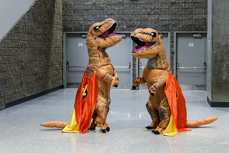 Teachers march on as super dinosaurs at NSTA 18.